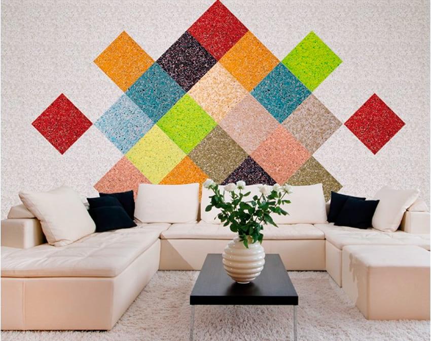 Оригинальная композиция из жидких обоев в виде разноцветных квадратов на стене