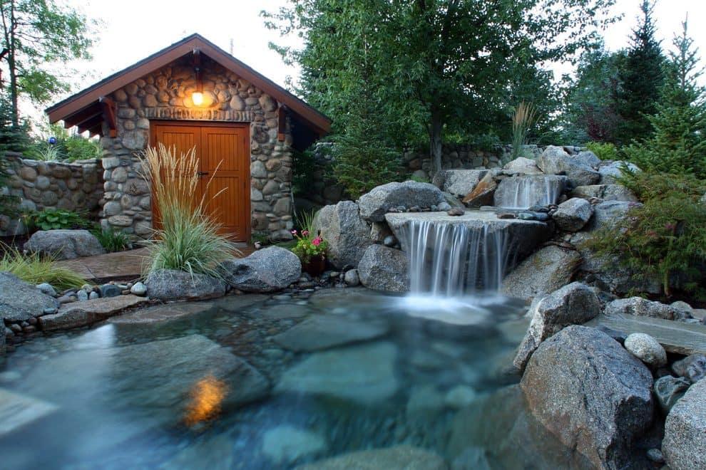 Чтобы создать подобный водопад во дворе, потребуется не мало сил и времени, но поверьте, это того стоит