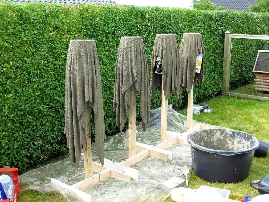 Чтобы цемент быстрее сохнул все работы желательно проводить на воздухе и в ясную погоду