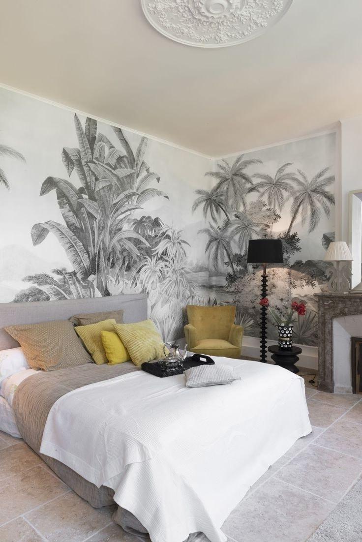Создать райский уголок в квартире можно при помощи фрески и природных оттенков