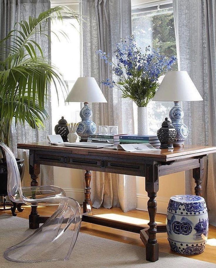 Живые растения освежают помещение, дарят уют и спокойствие