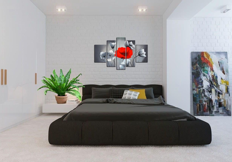Гармоничное сочетание черного и белого цвета в спальне