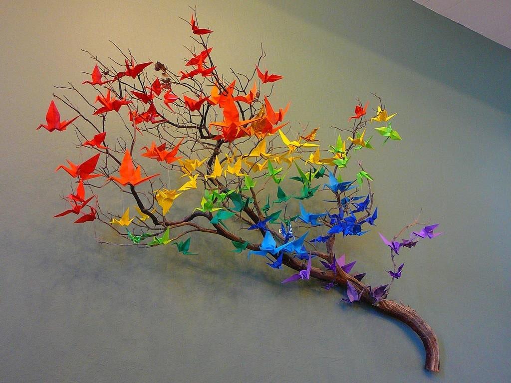 Оригами - подходящий мотив для стен в качестве декора