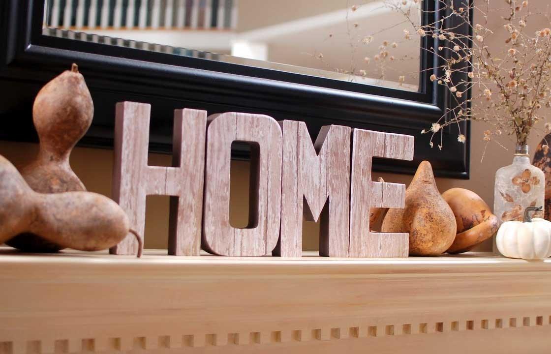 Красивое и стильное сочетать декора в гостиной