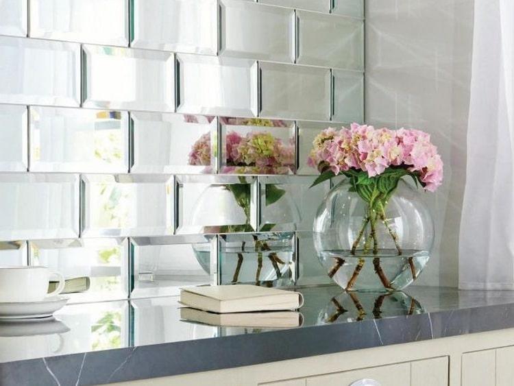 Фартук из зеркал - станет достойным украшением кухни