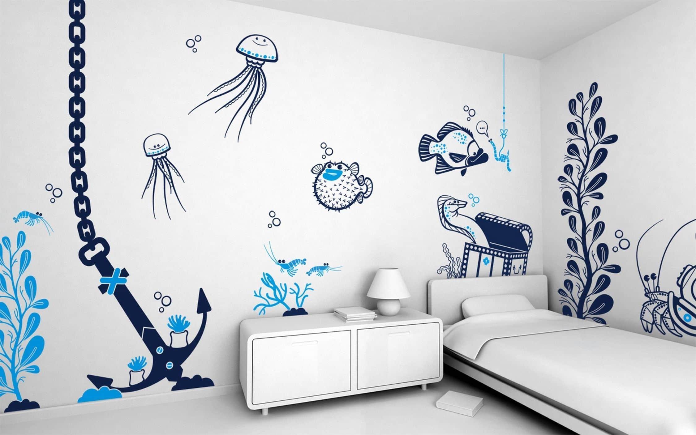 Целый подводный мир в одной детской комнате при помощи трафаретов