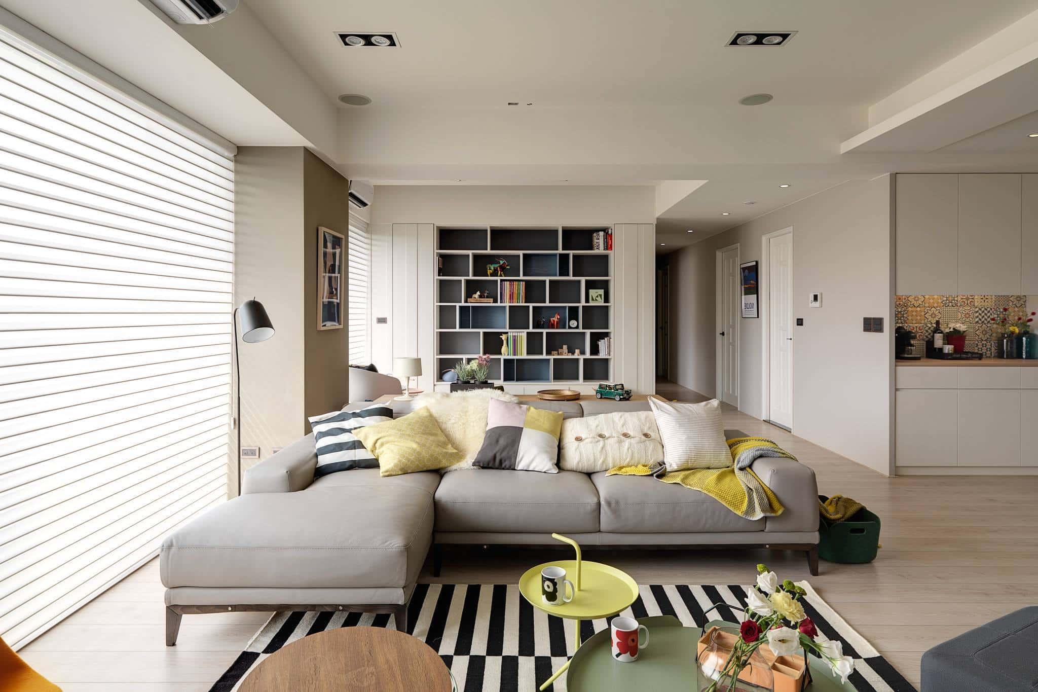 Шикарные просторы светлой гостиной