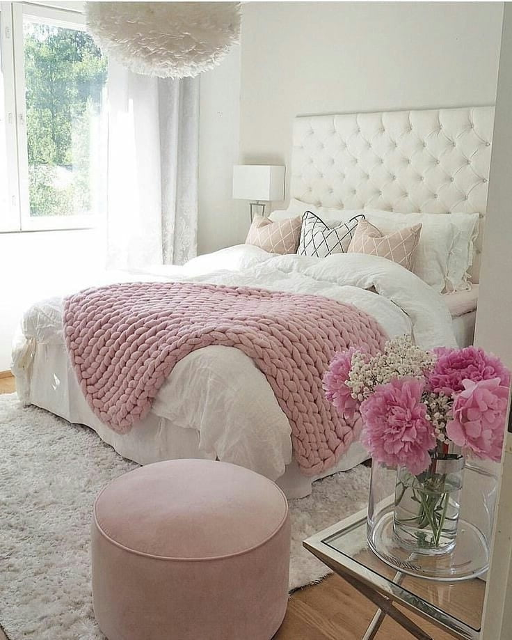 Мягкий пудровый или розовый цвет в интерьере дарит ощущение спокойствия и умиротворения