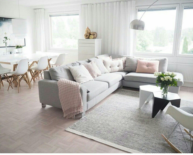 Красивая комната в светло-серых тонах