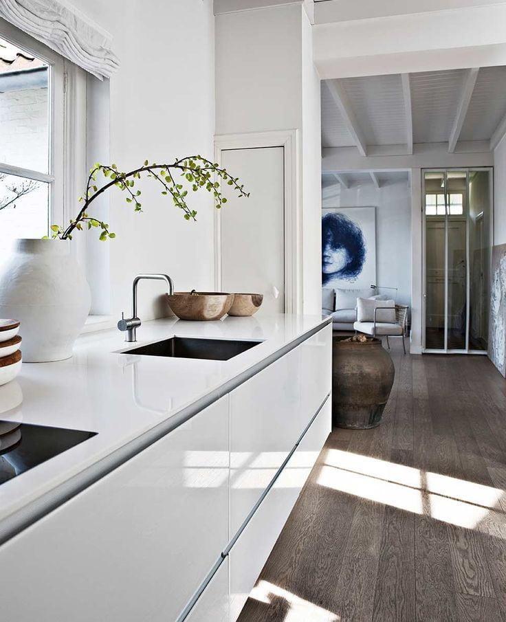 Лаконичность и совершенство дизайна - простота и роскошь в одном белом цвете