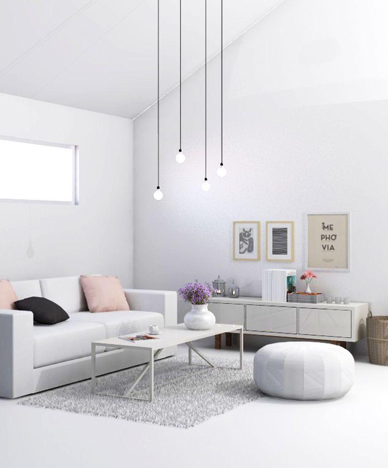 Лучшим решением для высоких потолков гостиной станут оригинальные подвесные лампы