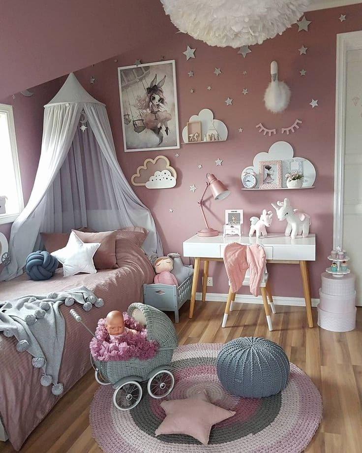 Невероятно красивая реализаций интерьера детской спальни в нежных розовых оттенках