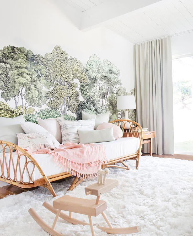 Мягкий белоснежный ковер с длинным ворсом - прекрасно гармонирует с любым интерьером