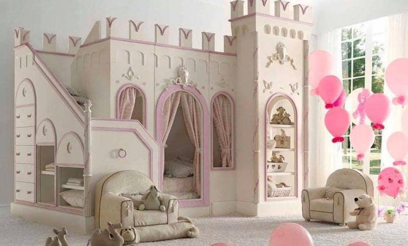 Собственный замок должен быть у каждой принцессы