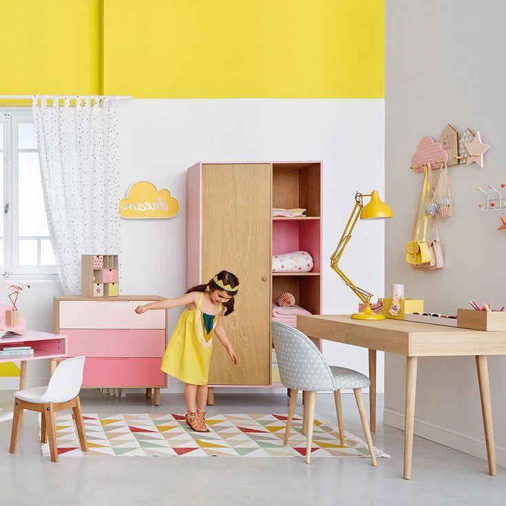 Жизнерадостный желтый цвет подчеркнёт натуральные оттенки мебели