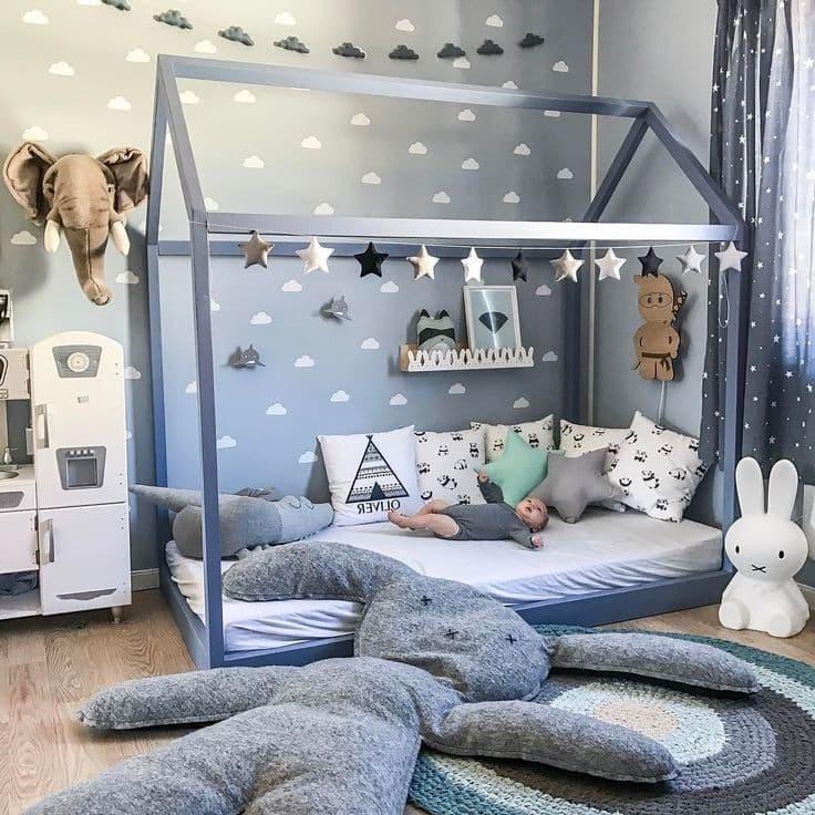 Интересный вариант обустройства комнаты для новорожденного