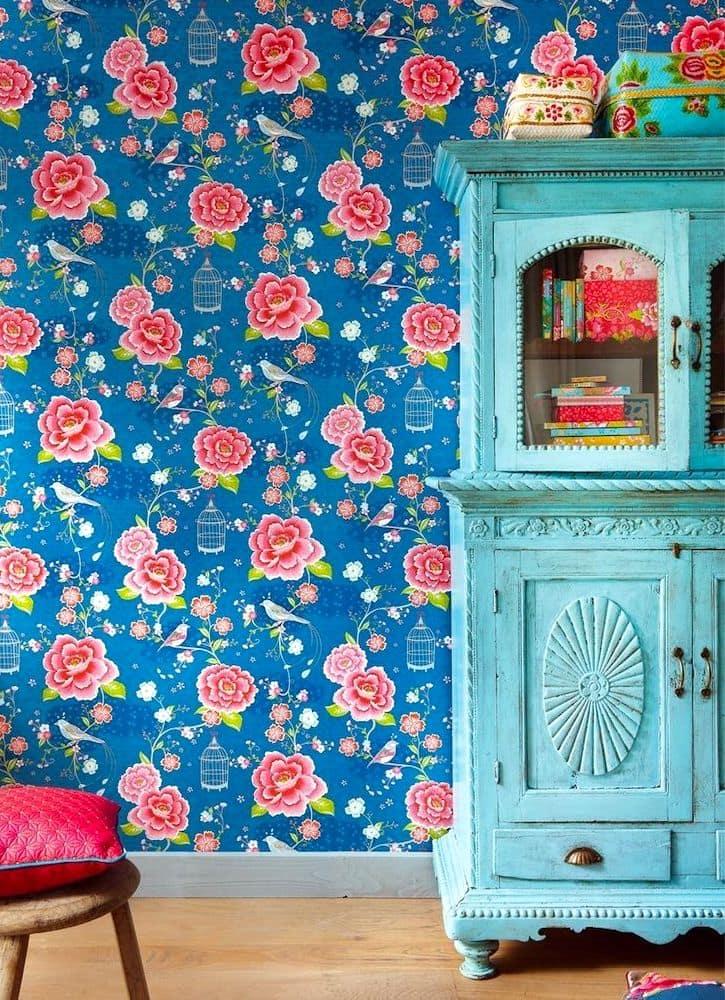 С текстильными обоями ваш интерьер станет более ярким и разнообразным