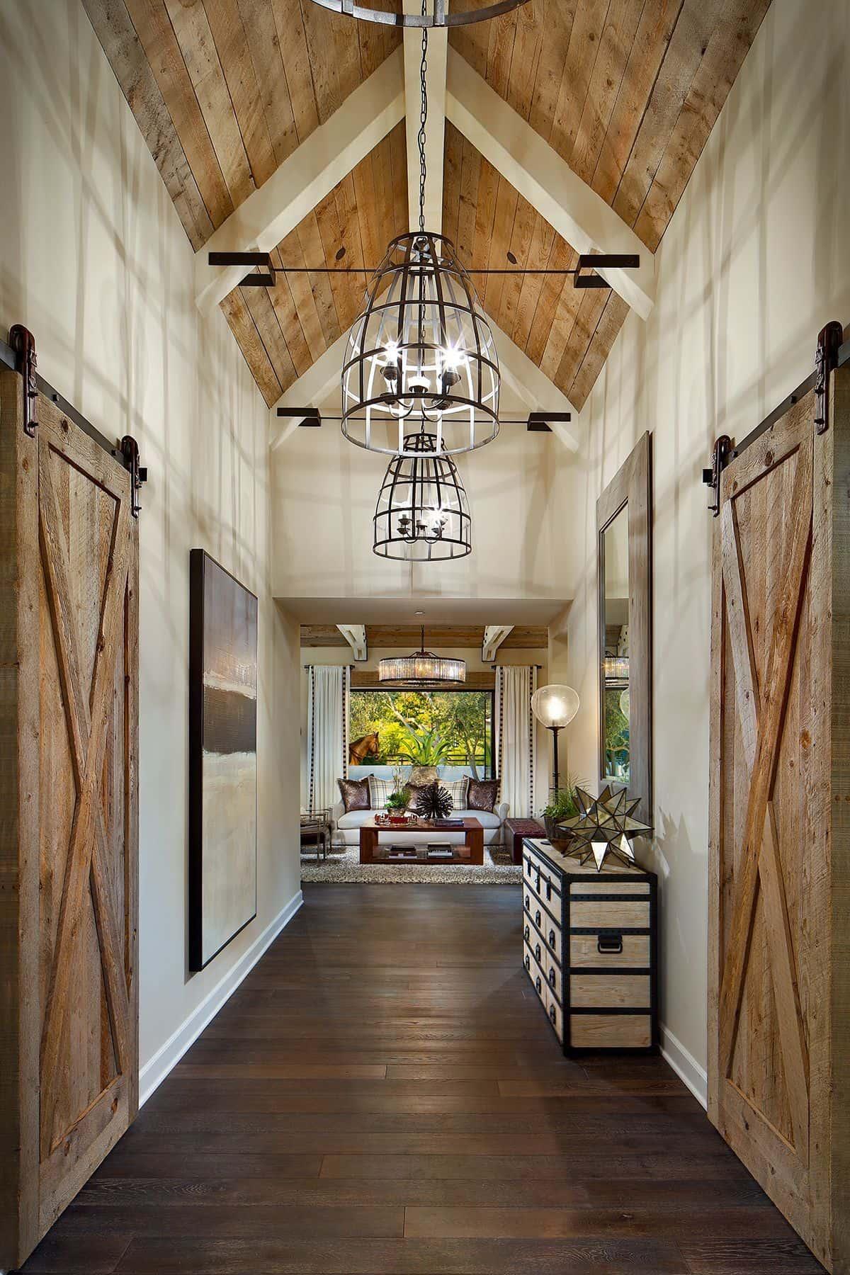 Раздвижные двери в деревенском стиле - изюминка в данном интерьере
