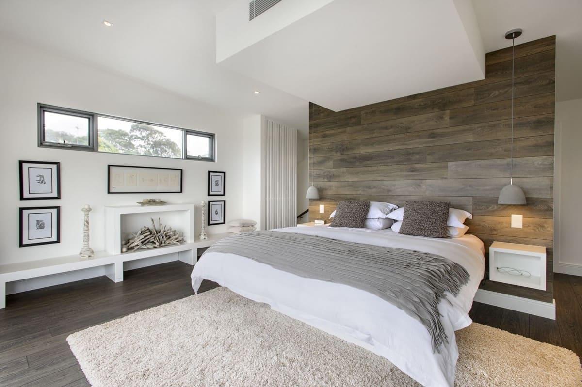 Если вы хотите сделать интерьер спальни максимально эстетичным, не стоит использовать много цветов, двух трех вполне достаточно