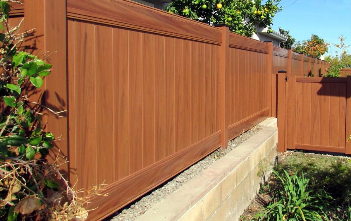 Виниловая ограда не требует особого ухода
