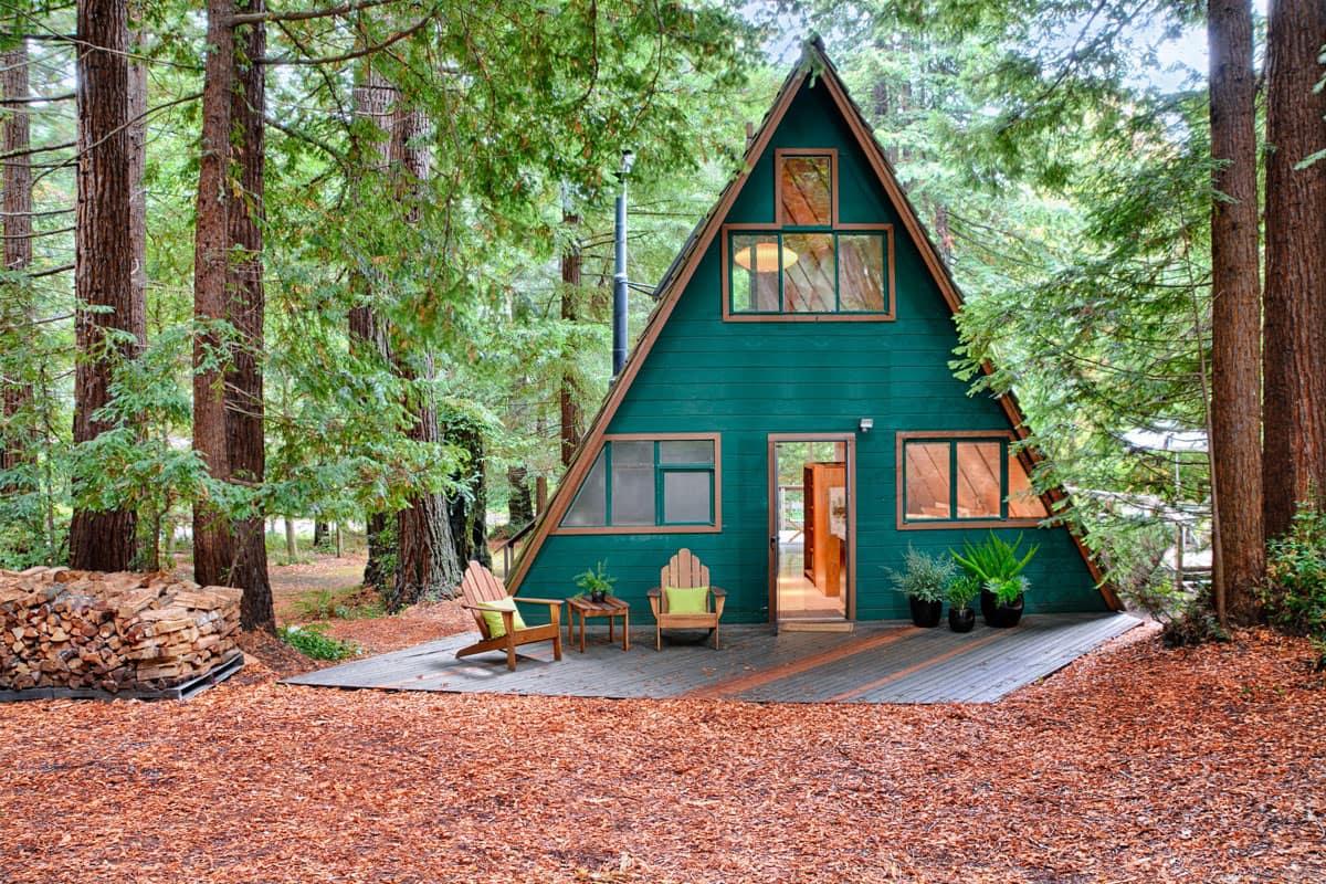 В током домике вы всегда будете чувствовать себя наедине с природой