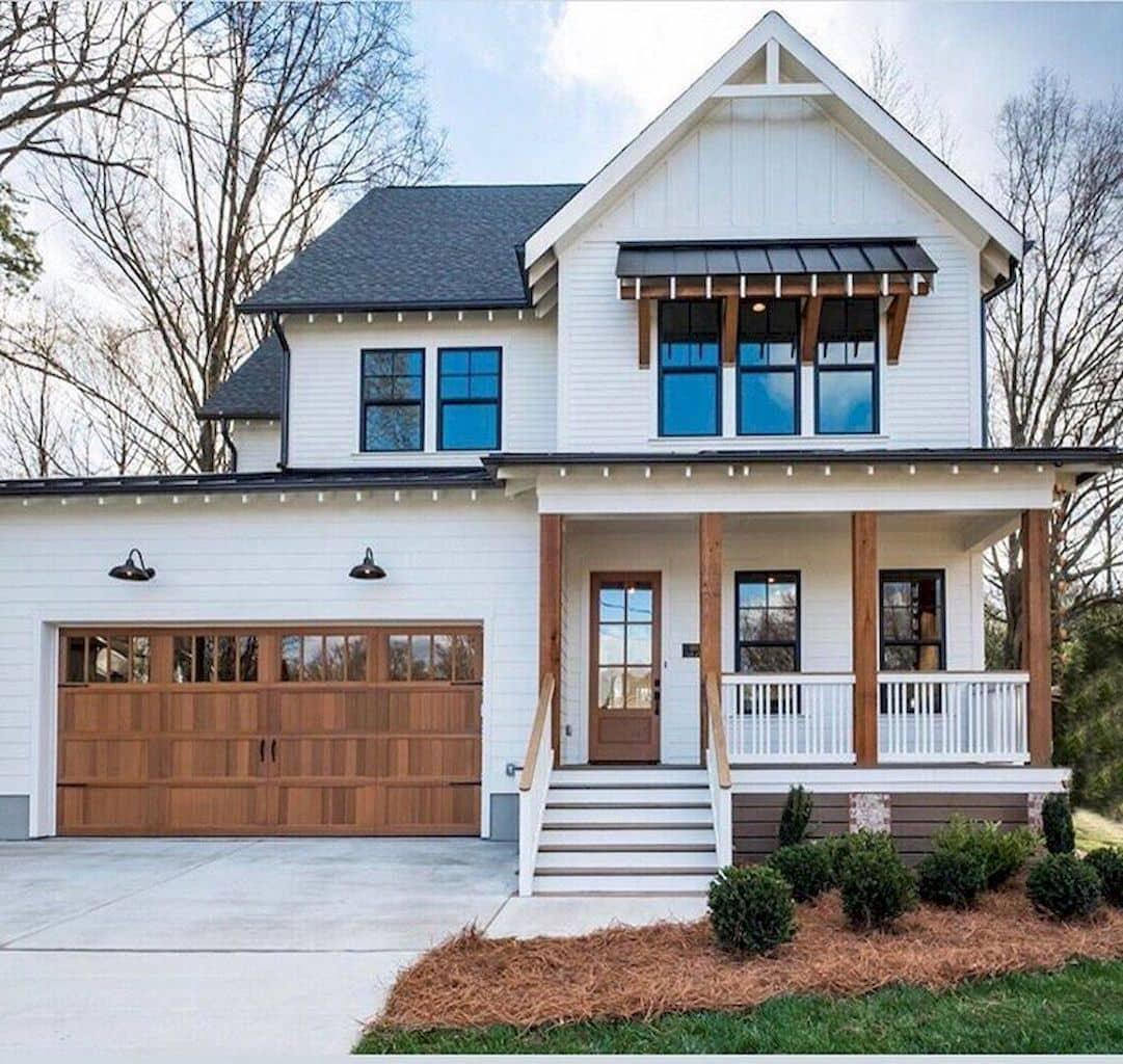 Красивый проект крыльца пристроенного к дому