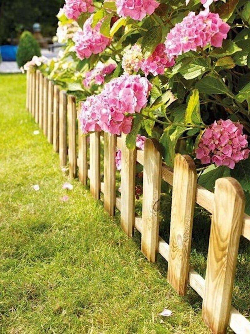 Деревянное ограждение – практично и красиво