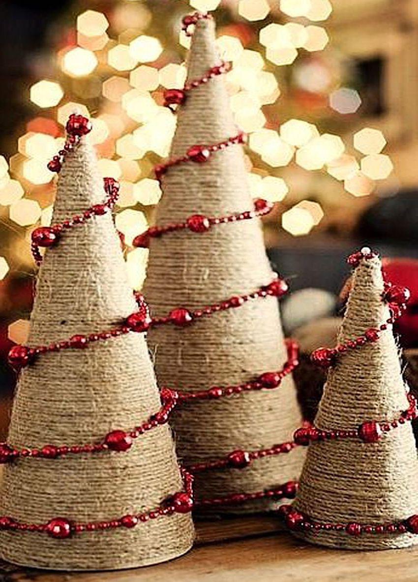Простая, но очень красивая декоративная новогодняя елочка, сделанная своими руками