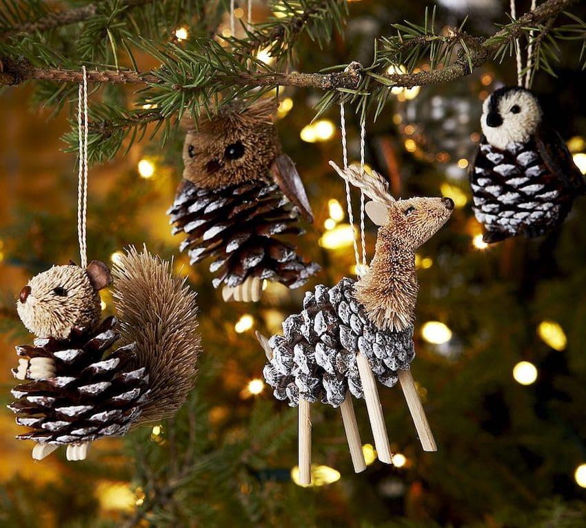 Разнообразить елочный декор можно с помощью фигурок лесных животных