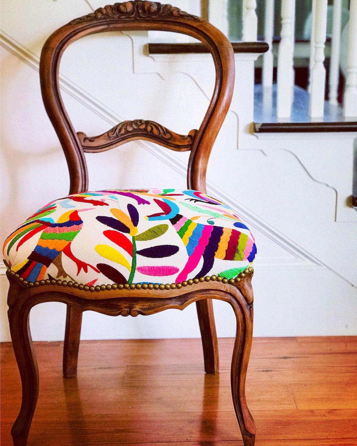 Отреставрировать старую мебель можно под любой интерьер