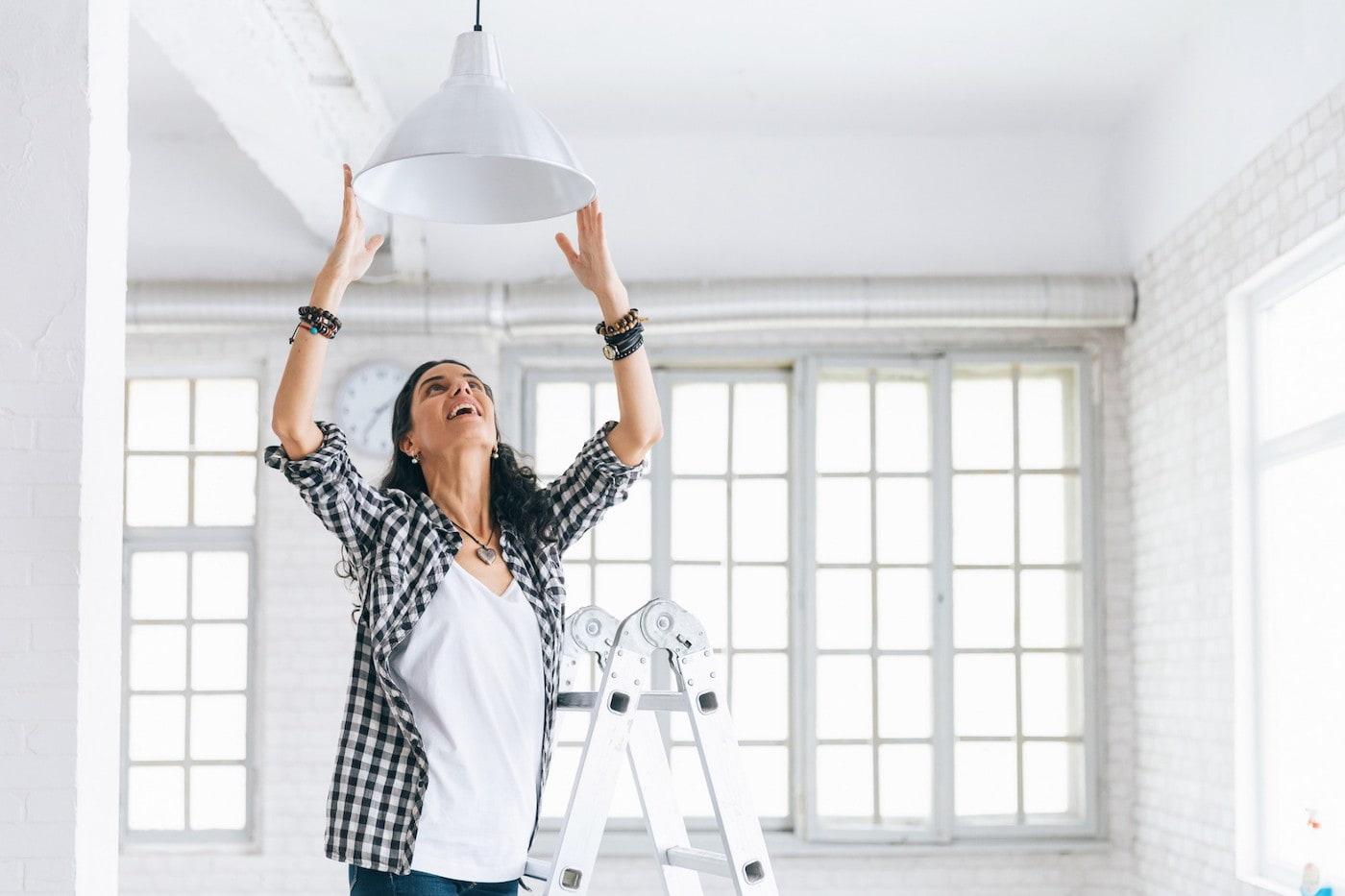Занимаясь уборкой квартиры важно уделить внимание каждой мелочи