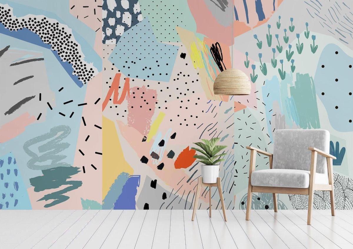 По своей цветовой гамме обои на стене должны соответствовать общему стилю комнаты