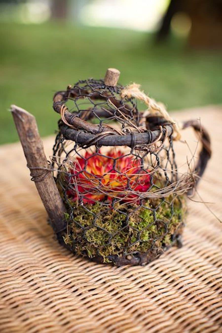 Эксклюзивный чайник из веток и проволоки