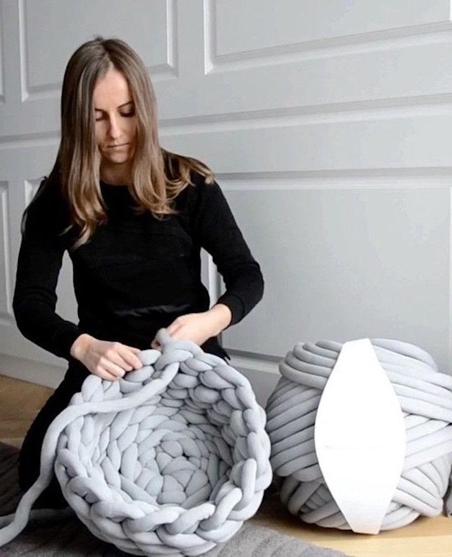 Плетение корзины для вещей из толстых веревок