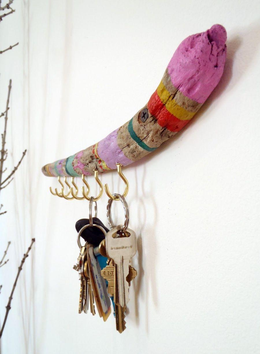 Настенная ключница с оригинальным дизайном