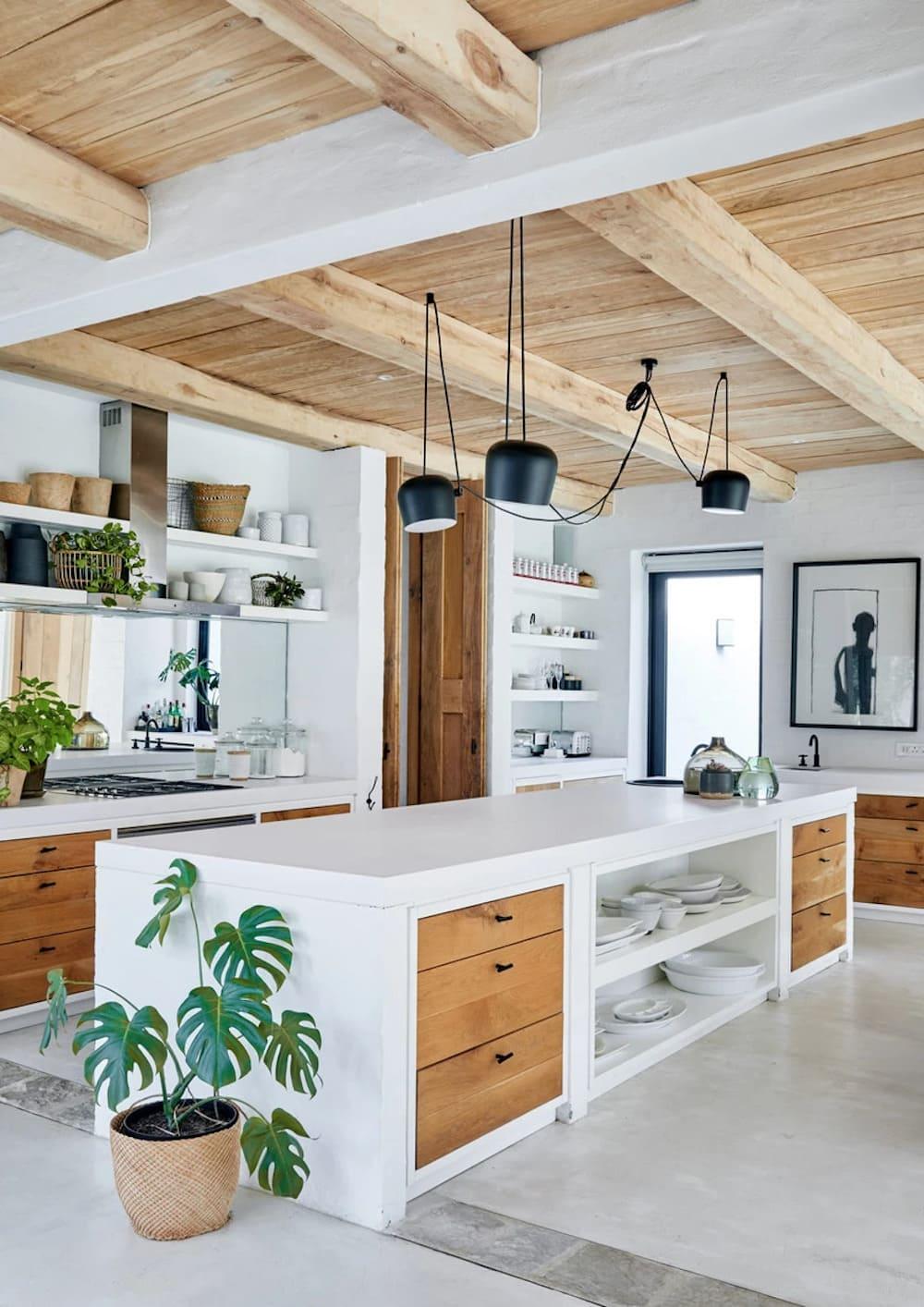 кухня в частном доме 30