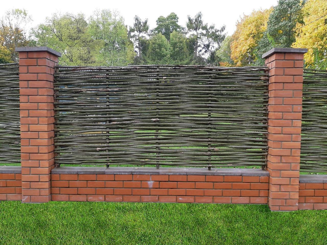 красивый деревянный забор фото 19
