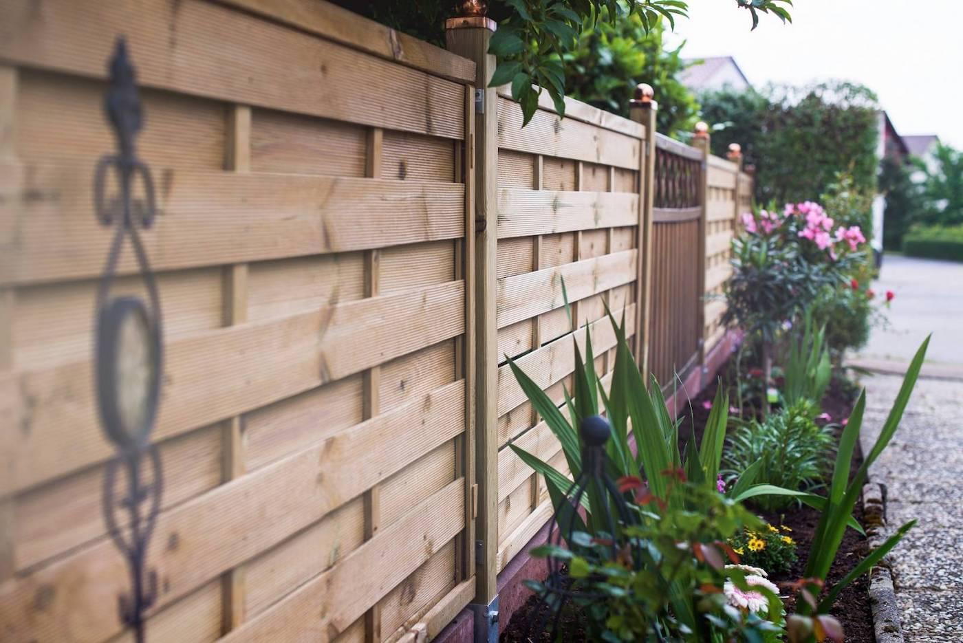 красивый деревянный забор фото 28