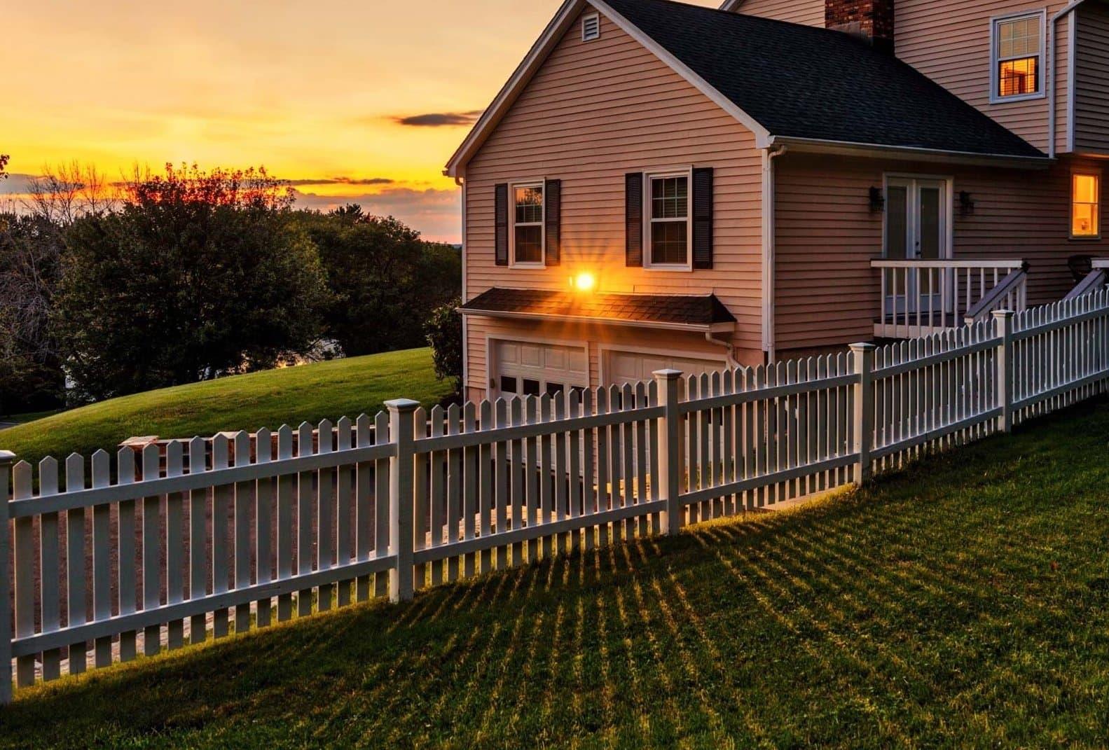 красивый деревянный забор фото 54
