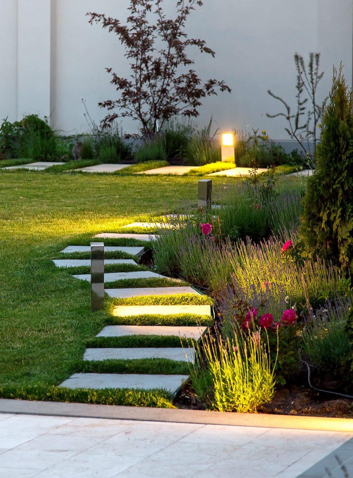 красивый сад частного дома фото 20