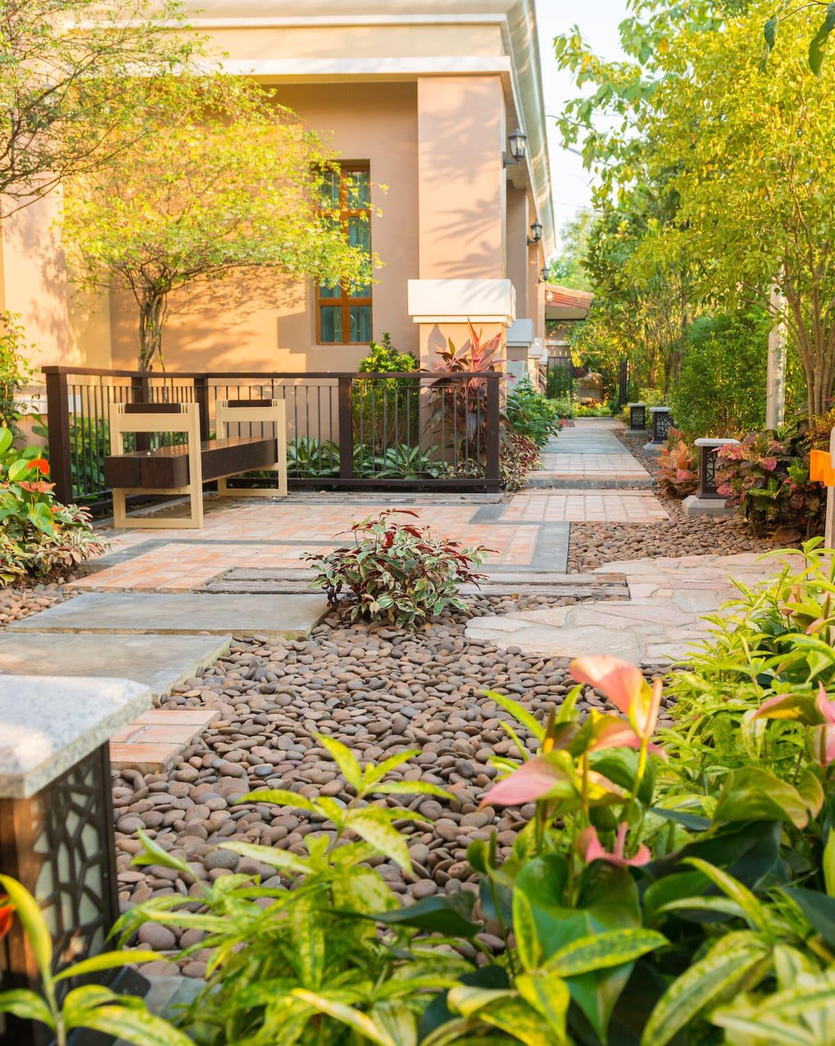 красивый сад частного дома фото 21